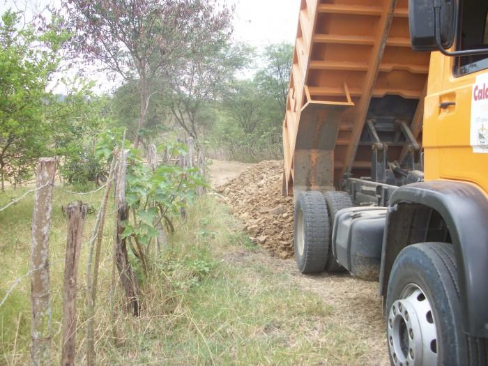 Transporte de cascajo desde La Comunidad El Mate hasta Las Comunidades: Juan Dama y  La Ciénega.